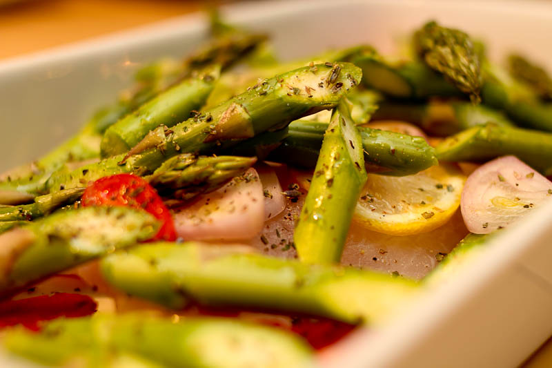 White fish with asparagus shallots lemon for Fish and asparagus
