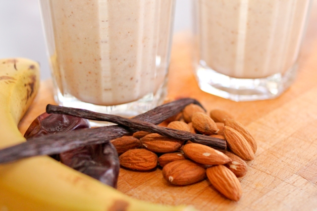 Almond smoothie