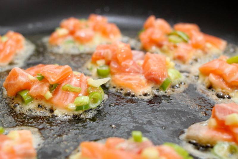 Salmon cakes de luxe | Foodyear