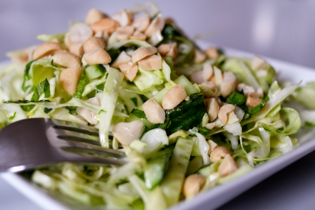 Cone cabbage with peanuts